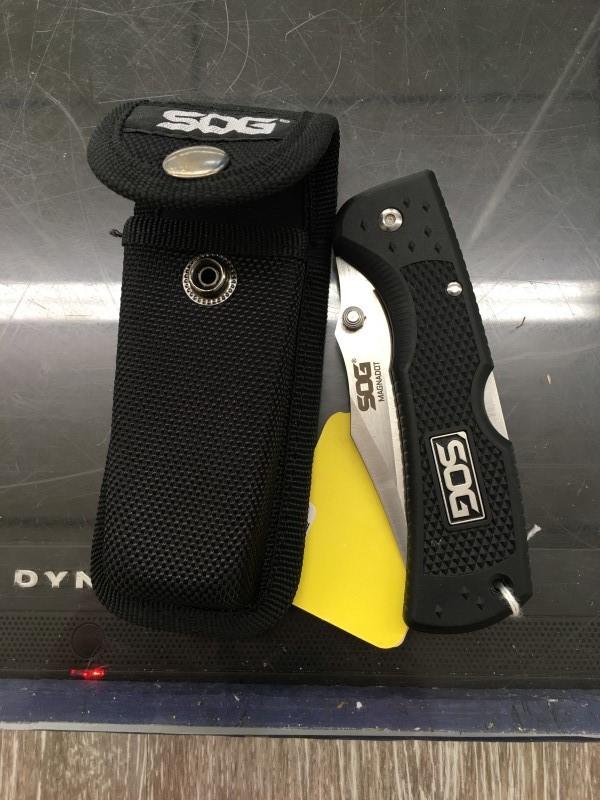 SOG Pocket Knife MAGNADOT