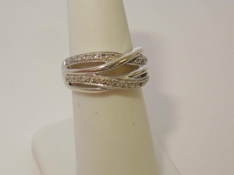 Lady's Diamond Fashion Ring 28 Diamonds .28 Carat T.W. 10K White Gold 4.3g
