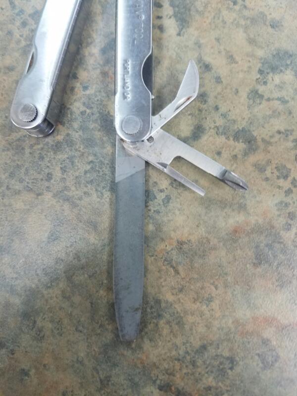 LEATHERMAN Pocket Knife TOOL