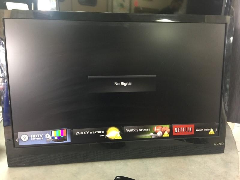 VIZIO Flat Panel Television E24I-A1
