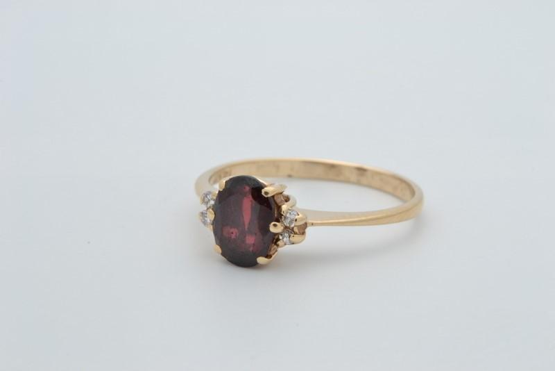 ESTATE GARNET RED DIAMOND RING SOLID 14K GOLD OVAL CUT FINE SIZE 6.5