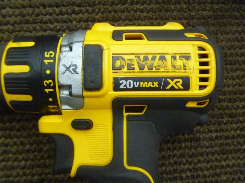 "DEWALT DCD790 1/2"" 20V MAX XR CORDLESS BRUSHLESS DRILL/DRIVER **TOOL ONLY**"