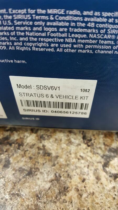 SIRIUS XM Stratus 6 Dock-and-Play Satellite Radio Receiver + Car Kit SDSV6V1