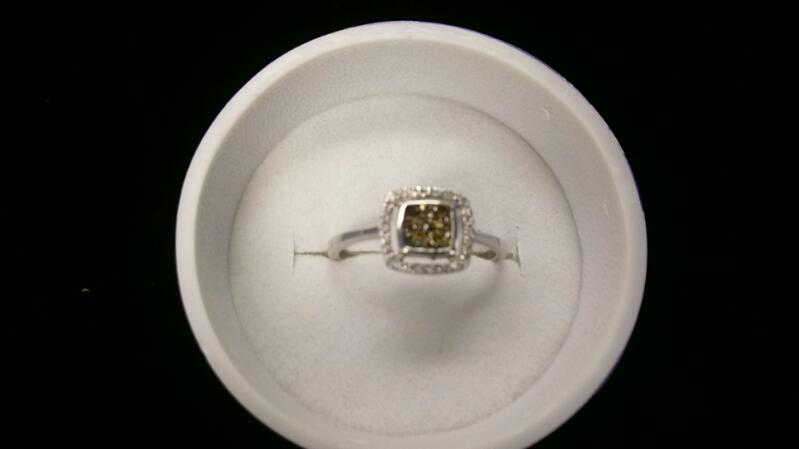 Lady's Diamond /Choc diamond Ring 41 Diamonds .93 Carat T.W. 14K WG Sz7. 1.9g