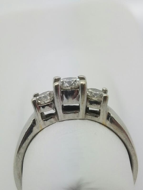 DIAMOND  CLUSTER RING L'S 14KT DIAMOND  2.3/14KWG