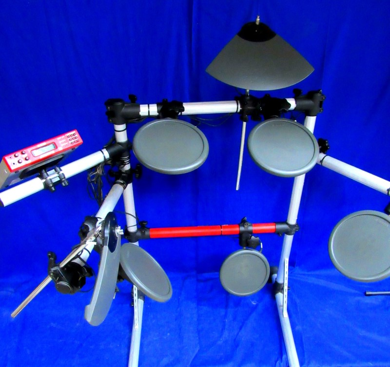 YAMAHA DTXPRESS III WITH DRUMS