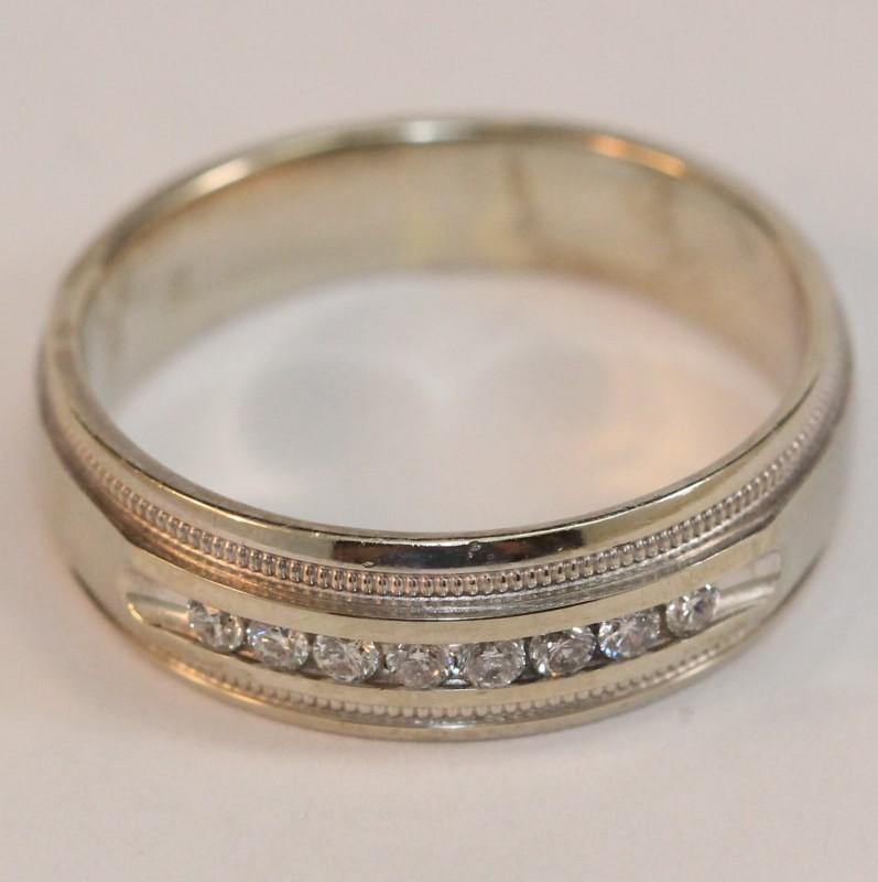 Men's 14K White Gold and Diamond Wedding Band Size 11