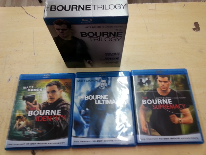 UNIVERSAL STUDIOS Blu-Ray THE BOURNE TRILOGY