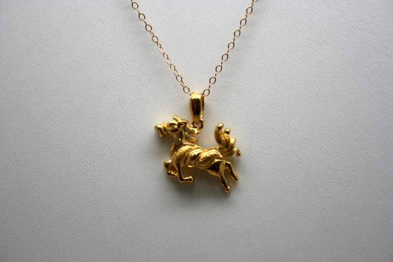 HORSE CHARM 22K YELLOW GOLD