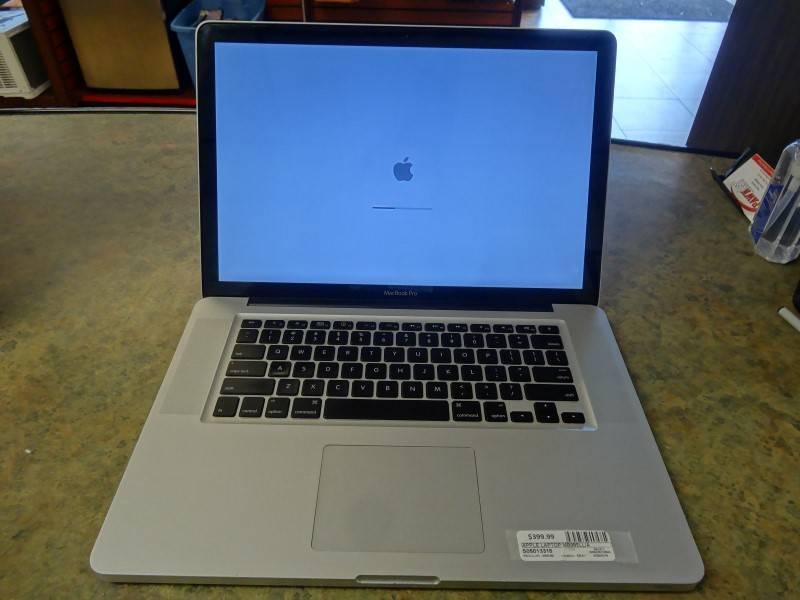 APPLE Laptop/Netbook MACBOOK PRO MB985LL/A