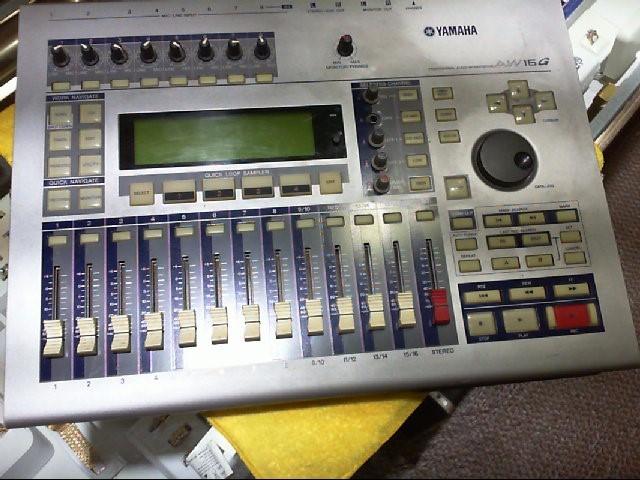 YAMAHA Multi-Track Recorder AW16G