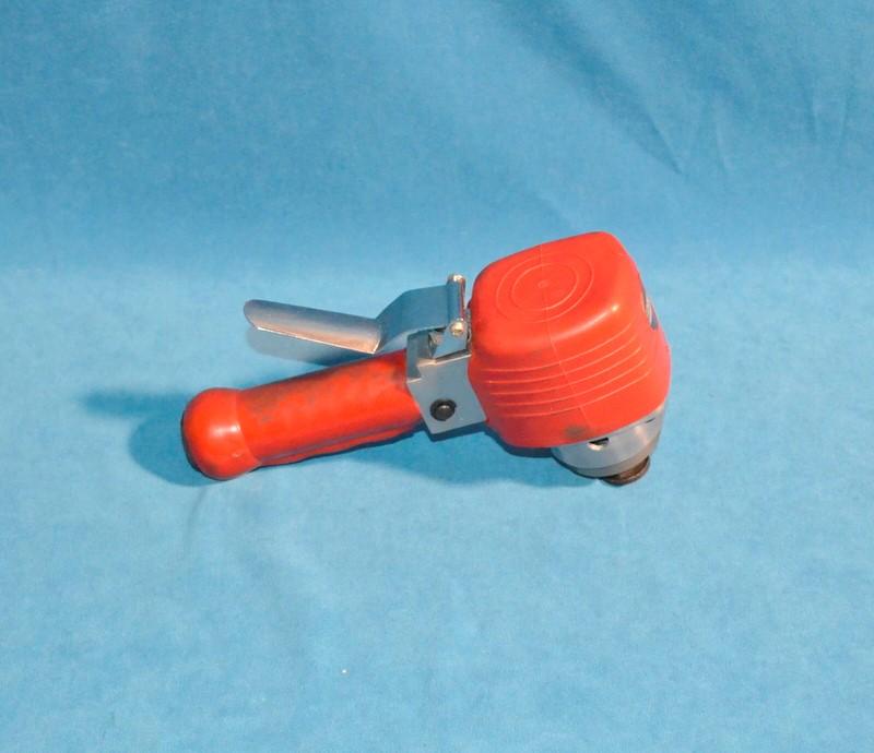 CENTRAL PNEUMATIC Vibration Sander 6 DA SANDER