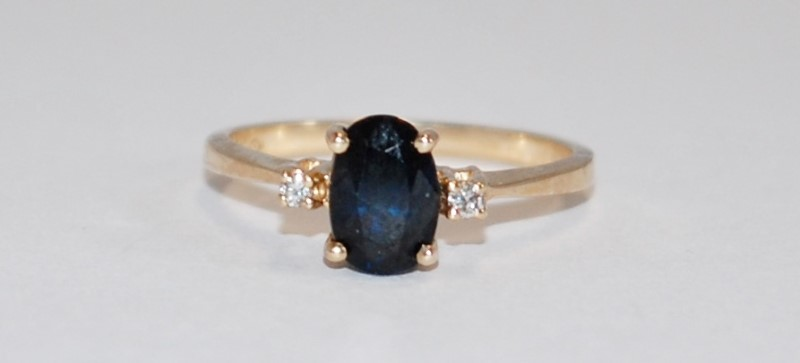 14K Women's Yellow Gold Three Stone Cut Sapphire Ring Size 6.25