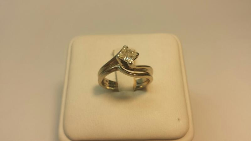 14k White Gold Ring with 1 Princess Diamond at .51ctw - 2.7dwt - Size 5.5