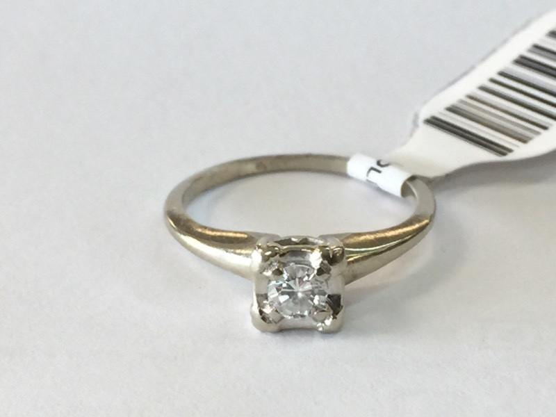 Lady's Diamond Solitaire Ring .15 CT. 14K White Gold 1.4dwt Size:5.5