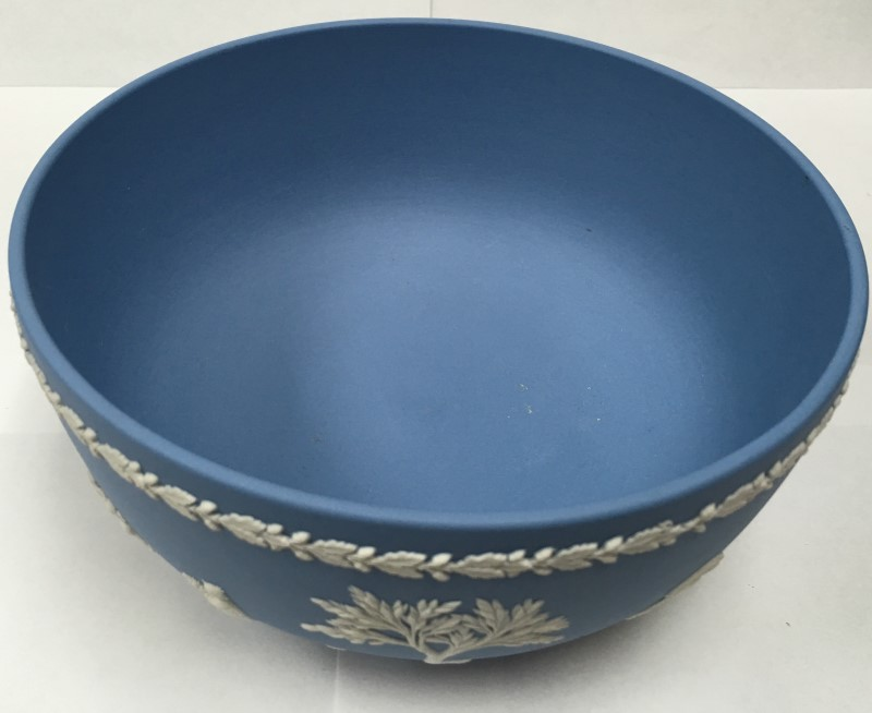 WEDGEWOOD JASPERWARE 8' BLUE BOWL GLASSWARE
