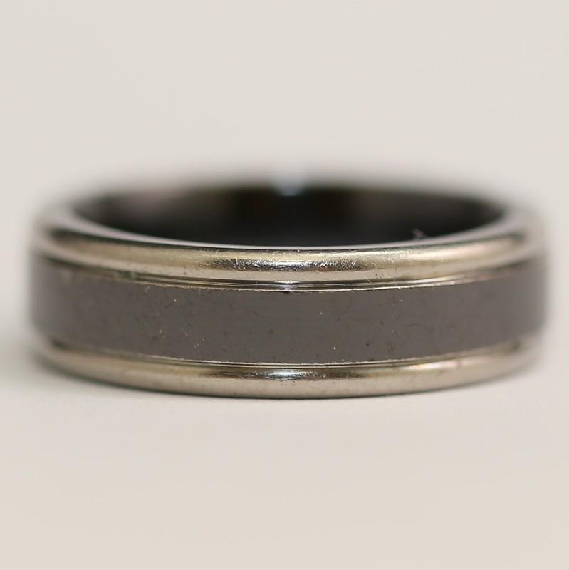 Black Centered Titanium Comfort Fit Matte Finish Wedding Band Size 9