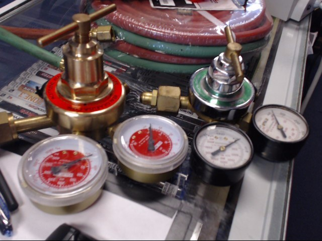 Gas Welder GAS REGULATOR/OXYGEN REGULATOR