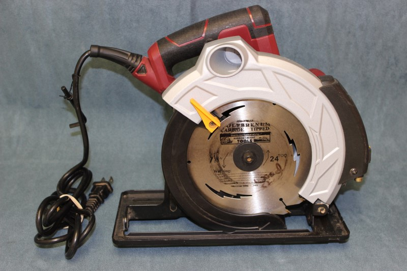"Chicago Electric 7-1/4"" Circular Saw with Laser Guide System - 69078"