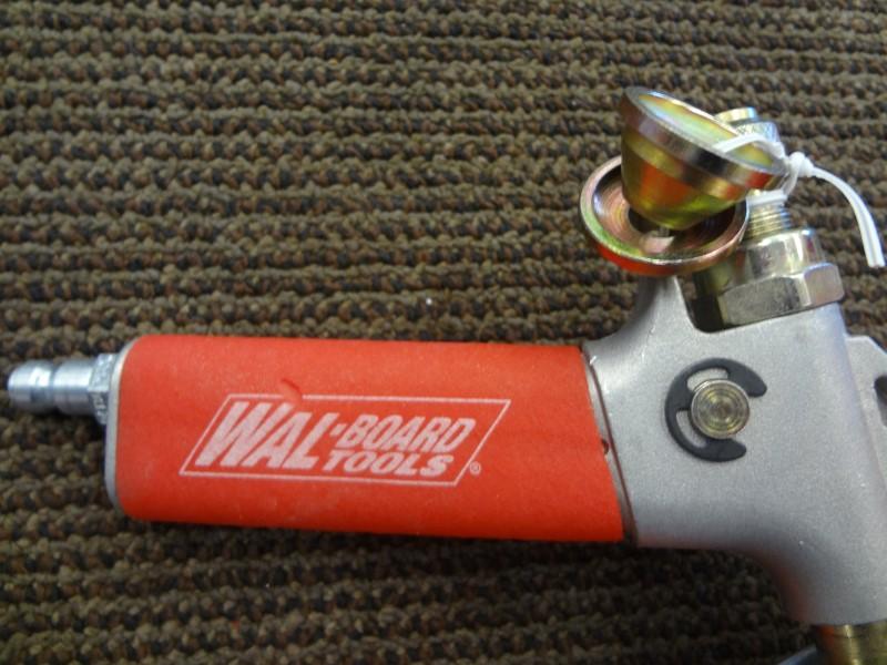 WAL-BOARD TEXTURE-PRO 200 HOPPER GUN WITH 3 SPRAY TIPS