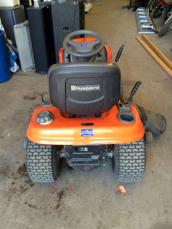 "HUSQVARNA 48"" Deck Tractor Riding Mower 24Hp Briggs & Stratton YTH2448"