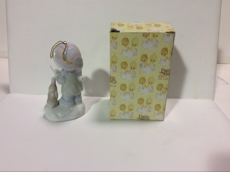PRECIOUS MOMENTS Collectible Figurine NONE - GENERIC - PRECIOUS MOMENTS