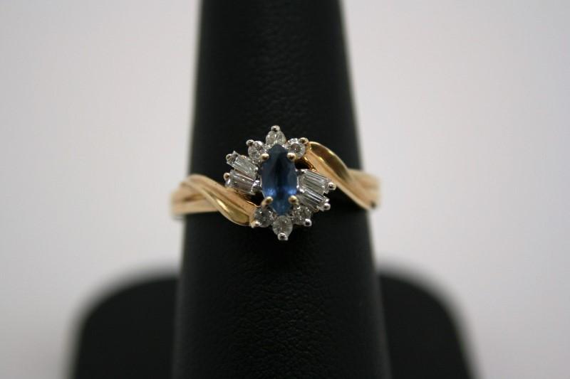 LADY'S SAPPHIRE & DIAMOND RING 14K YELLOW GOLD