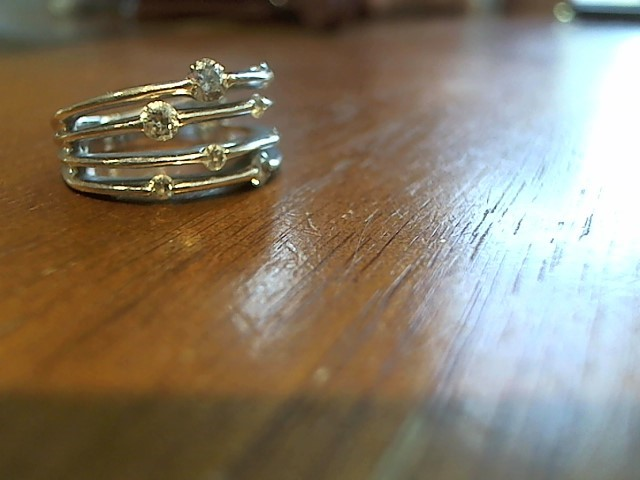 Lady's Diamond Cluster Ring 6 Diamonds .18 Carat T.W. 14K White Gold 7g