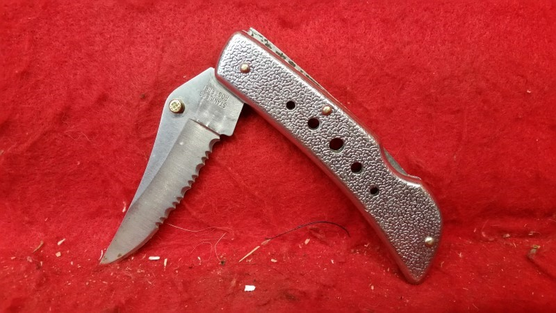 "Stainless Rostfrei 4"" Serrated Folding Knife"