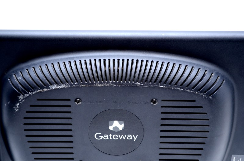 "Gateway DX4370G-UW10 Desktop PC AMD 2.2GHZ 6GB 1TB w/ 17"" Monitor >"