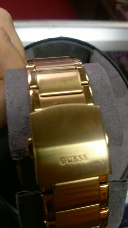 GUESS MEN'S WRISTWATCH MODEL# GC47000G