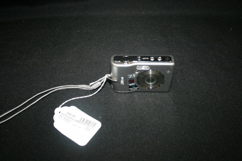 Nikon Coolpix L12 7.1 MP Point and Shoot Camera