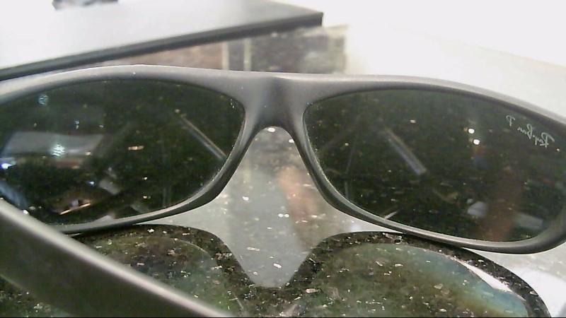 RAY-BAN Sunglasses RB 4046