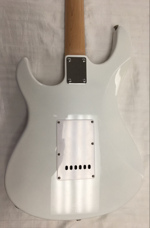 YAMAHA PACIFICA ELECTRIC GUITAR PAC012 WHITE