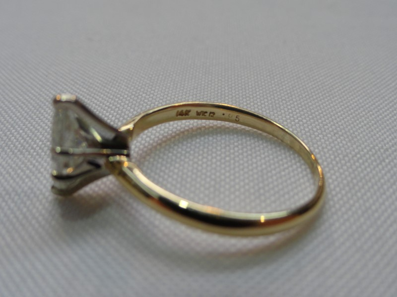 Lady's Diamond Marquis Solitaire Ring 1.00 CT. 14K Yellow Gold 2.5g Size:8
