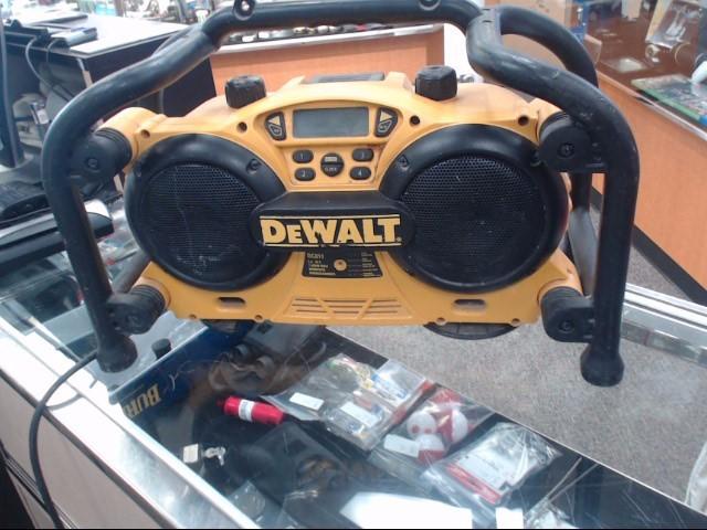 DEWALT Boom Box DC011
