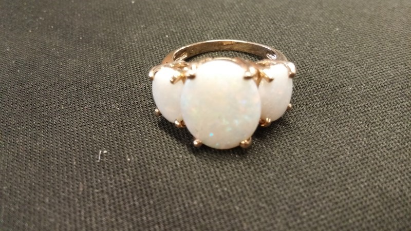 OPAL Synthetic Opal Lady's Stone Ring 10K Yellow Gold 2.4dwt Size:4.5