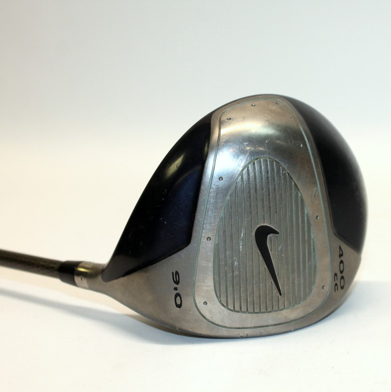 NIKE 400CC 9.0° RIGHT HANDED DRIVER WITH MID KICK REG FLEX SHAFT>
