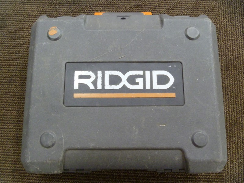 RIDGID R82320 14.4V IMPACT, CHARGER, AND CASE **NO BATTERY**