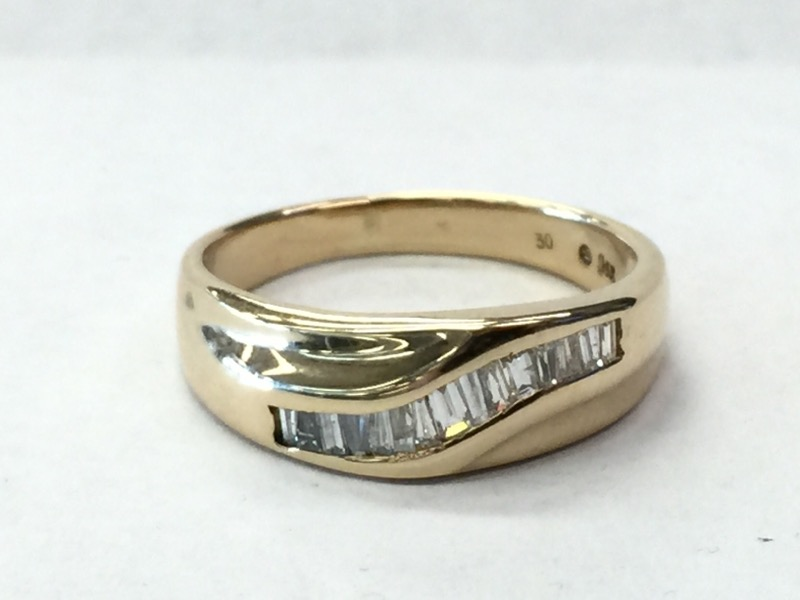 DIAMOND Gent's Gold-Diamond Wedding Band 6_RD_STONES 15 Diamonds .30 Carat T.W.