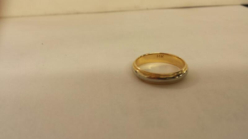 Gent's Gold Wedding Band 14K 2 Tone Gold 2.9dwt Size:9