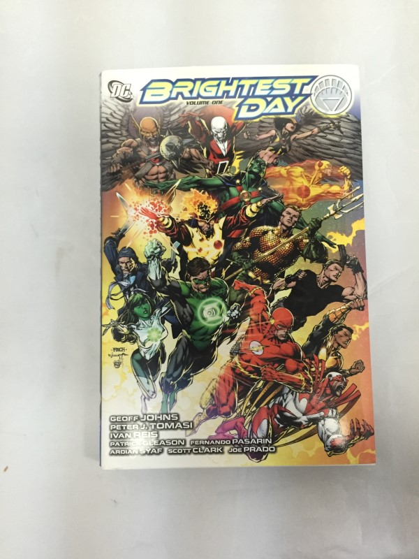 DC COMIC BRIGHTEST DAY HARD BACK