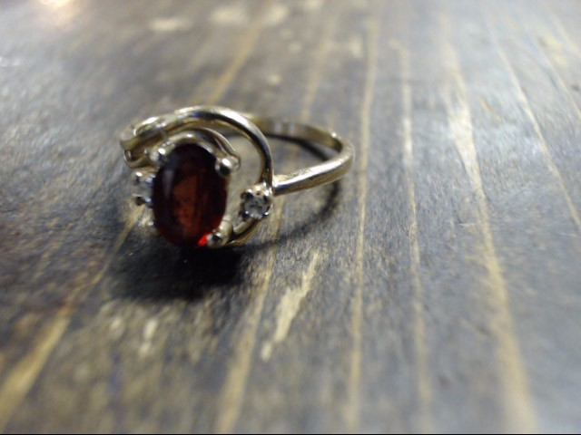 Red Stone Lady's Stone Ring 10K Yellow Gold 1.6g Size:3.5