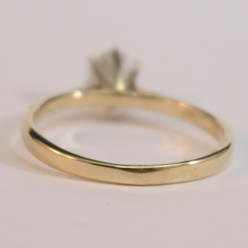 14K Yellow Gold Round Brilliant Diamond Solitaire Ring Size 7.75