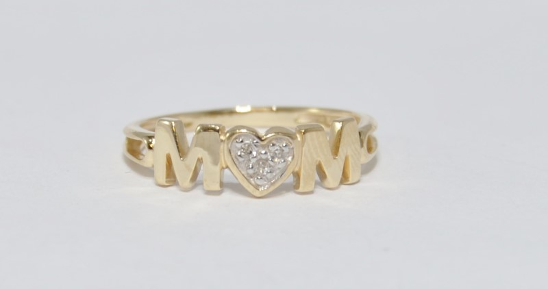 14K Yellow Gold Split Shank Heart Shaped Diamond Cluster MOM Ring sz 7
