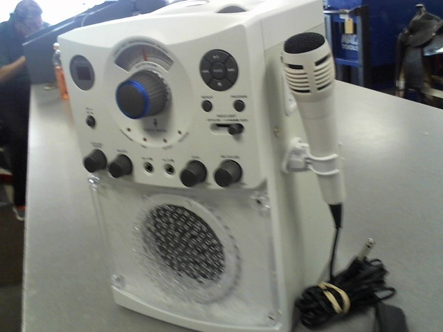 THE SINGING MACHINE Karaoke Machine SML-385
