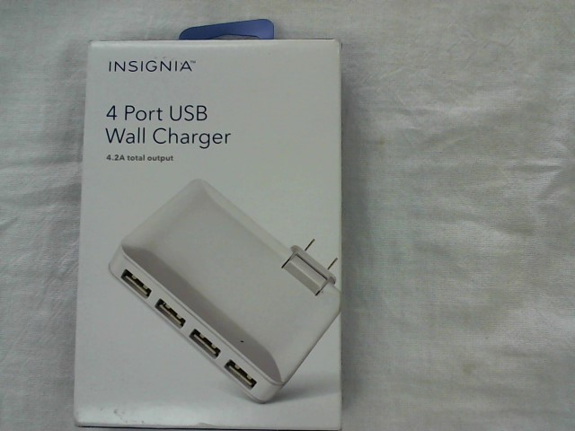 INSIGNIA Cell Phone Accessory 4 PORT WALL CHARGER