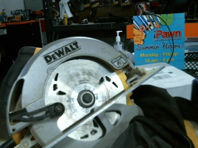 DEWALT Circular Saw DWE575SB