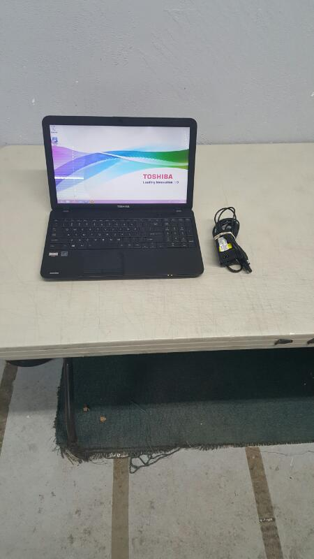 "Toshiba Satellite C855D-S5106 (15.6"", 320gb, 4gb, AMD E @ 1.30ghz)"