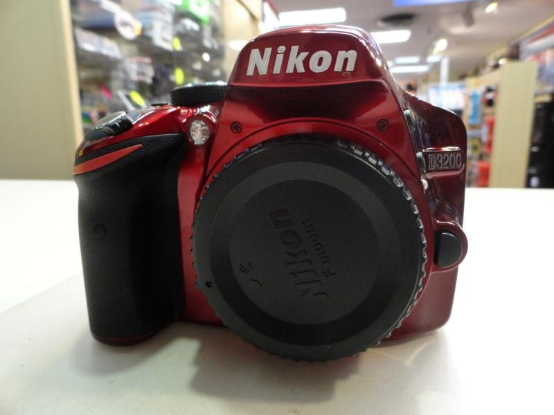 Nikon D3200 18-55 VR Kit AF-S DX Nikkor 18-55mm f/3.5-5.6G VR